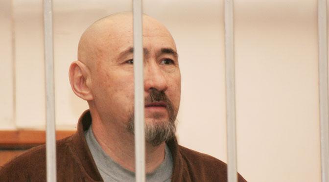 Aron Atabek at Almaty city court in 2007